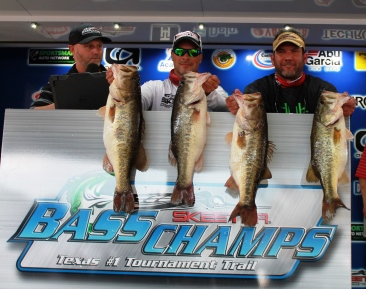 Bennett & Bennett top 322 Teams & Win over $25,000 with a giant 35.23 lb bag